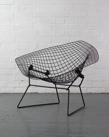 harry bertoia diamond chair modern room 20th century design. Black Bedroom Furniture Sets. Home Design Ideas