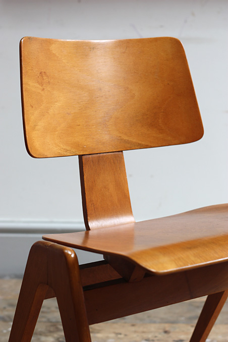 Hillestak Chairs By Robin Day Modern Room 20th Century
