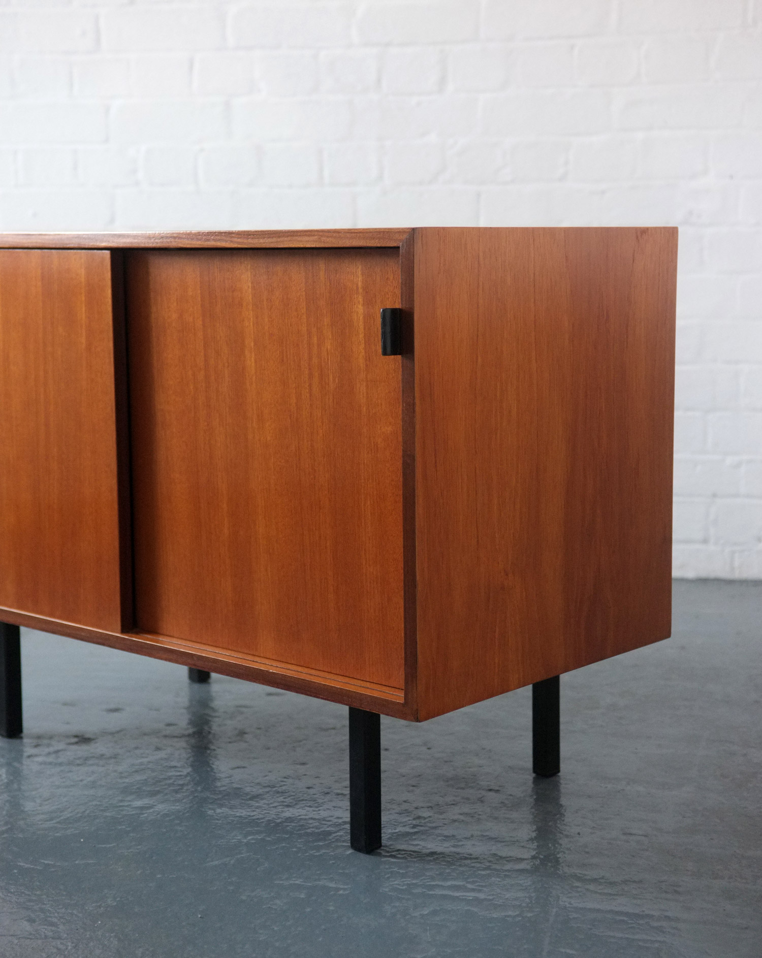 1950s florence knoll sideboard modern room 20th for Sideboard tess 05